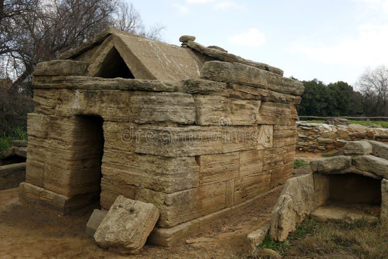 Túmulo de Etruscan da necrópolis de Populonia fotografia de stock royalty free