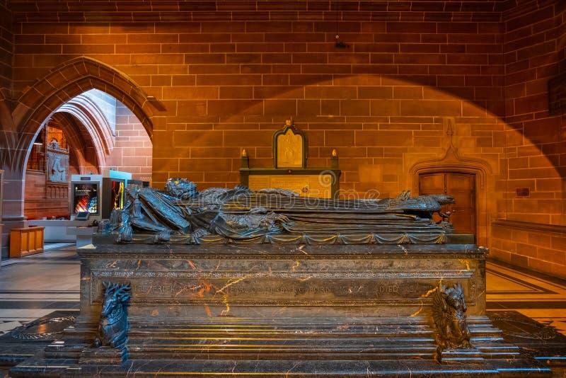 Túmulo de Frederick Arthur 16a, catedral de Liverpool fotografia de stock
