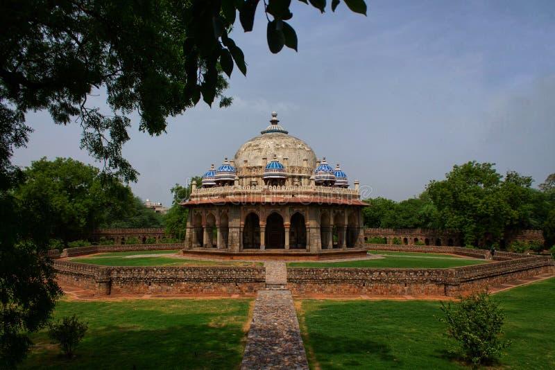 Túmulo de Isa Khan, Nova Deli Índia foto de stock royalty free