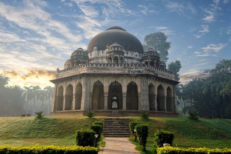 Túmulo dos €™s de Muhammad Shah Sayyidâ no amanhecer em monumentos do jardim de Lodi fotos de stock