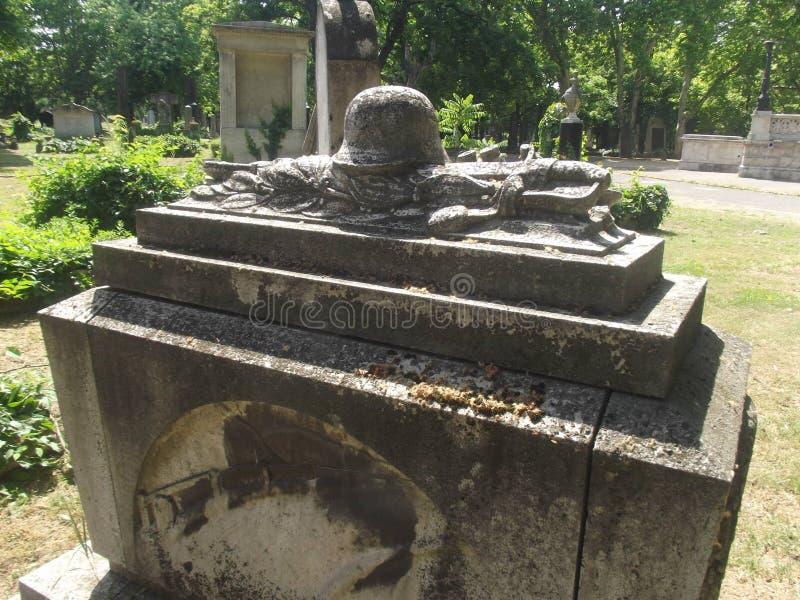 Túmulo memorável #02 do soldado do herói do vintage no cemitério de Budapest, Hungria fotografia de stock royalty free