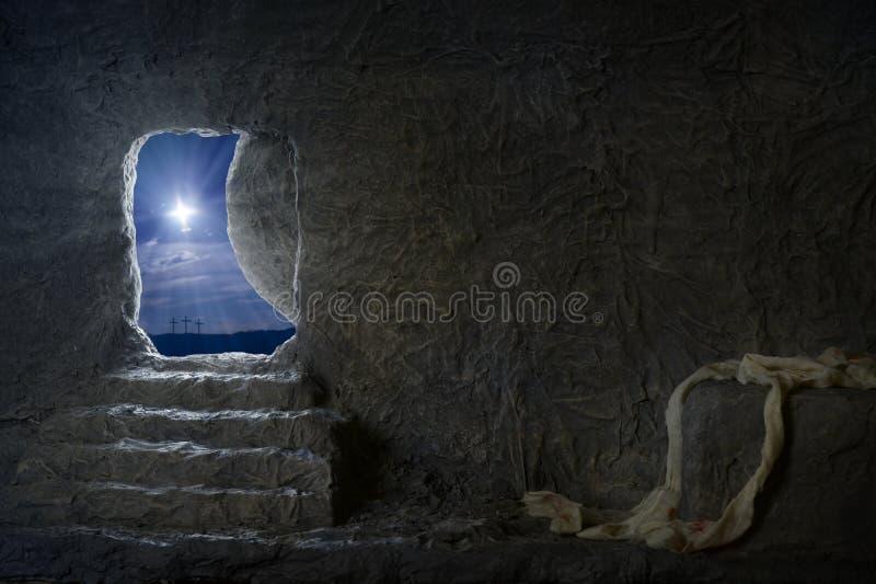 Túmulo vazio de Jesus na noite fotografia de stock royalty free