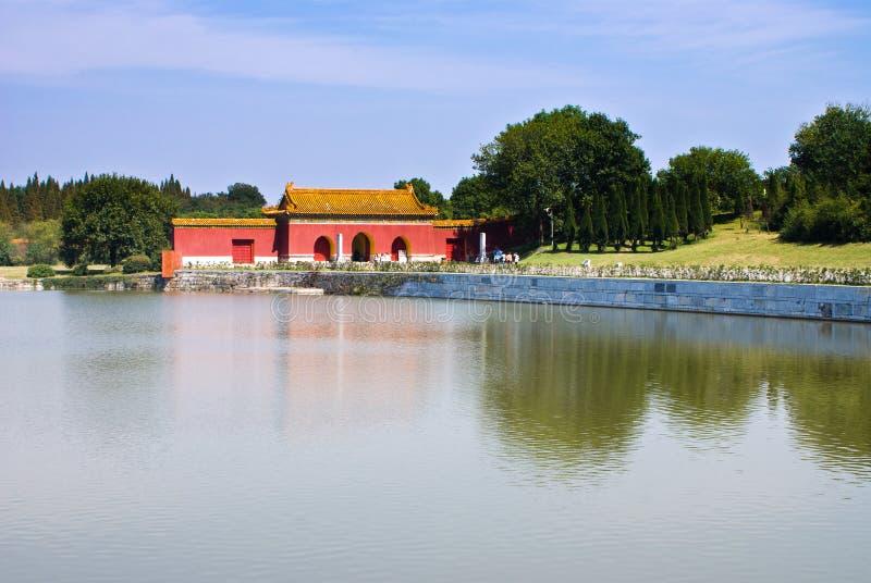 Túmulos imperiais chineses da dinastia de Ming no zhongxiang   foto de stock