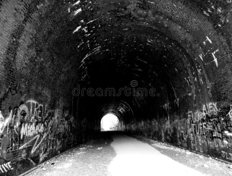 Túnel ao inferno fotografia de stock