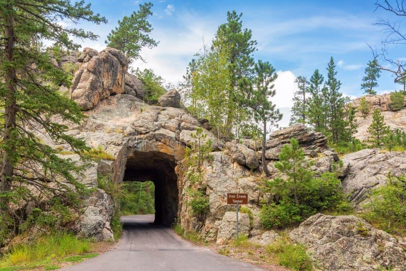 Túnel da angra do ferro imagens de stock royalty free