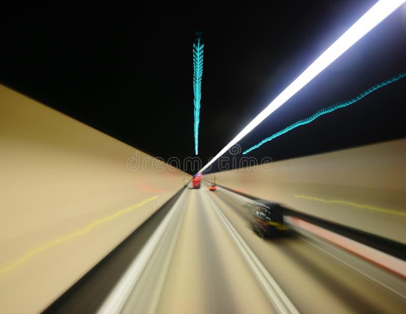 Download Túnel da estrada imagem de stock. Imagem de escuro, curva - 16874375