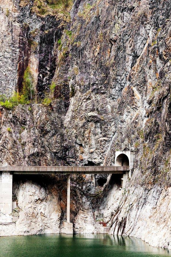 Túnel da montanha fotos de stock royalty free