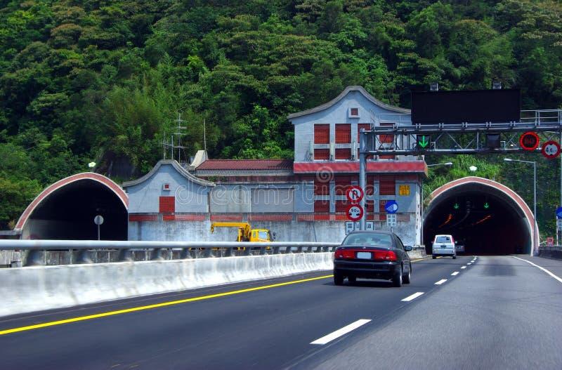 Túnel da montanha da neve de Formosa fotografia de stock royalty free