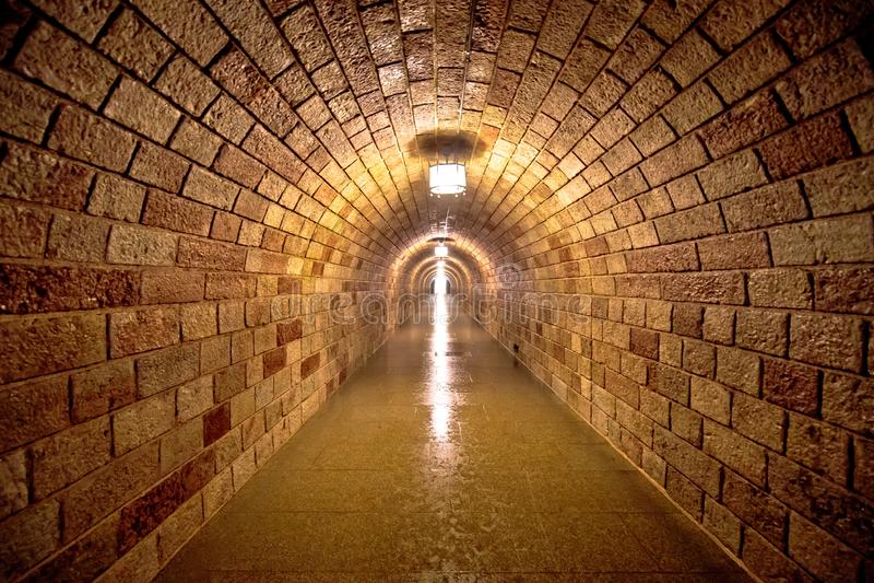 Túnel da montanha do ninho ou do Kehlsteinhaus de Eagle da era de Hitler imagens de stock royalty free