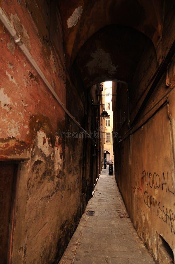 Túnel da rua em Genoa fotografia de stock royalty free