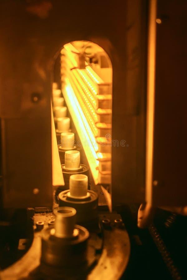 Túnel de aquecimento para as pré-formas imagens de stock royalty free