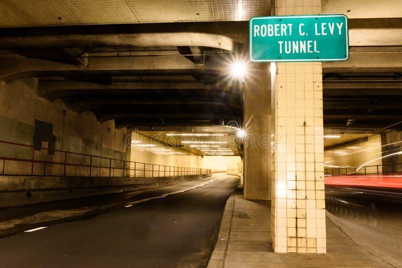 Túnel de Broadway da arrecadação de Robert C aka em San Francisco foto de stock royalty free