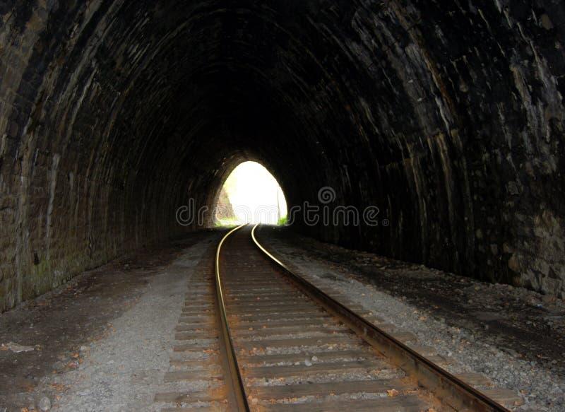 Túnel de pedra abandonado fotos de stock royalty free