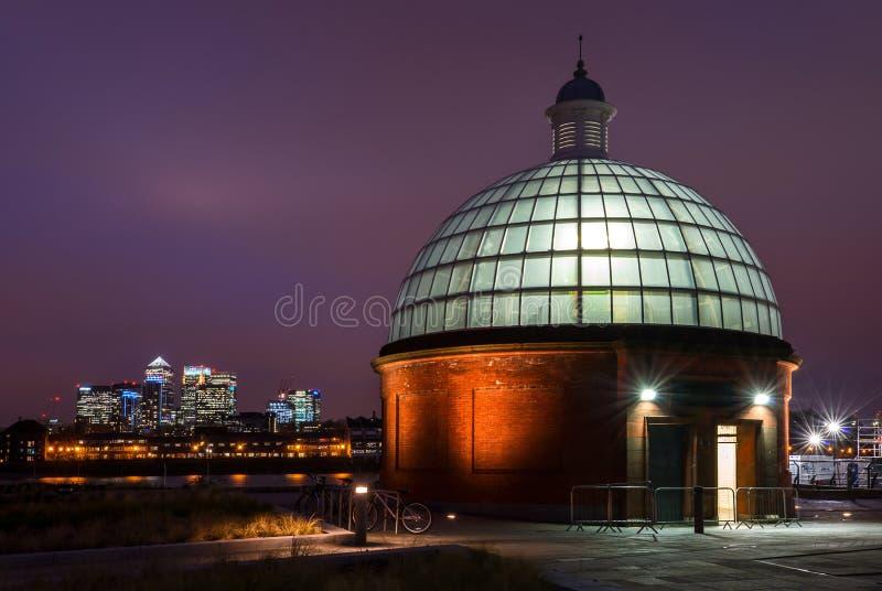 Túnel del pie de Greenwich en Londres, Inglaterra fotos de archivo