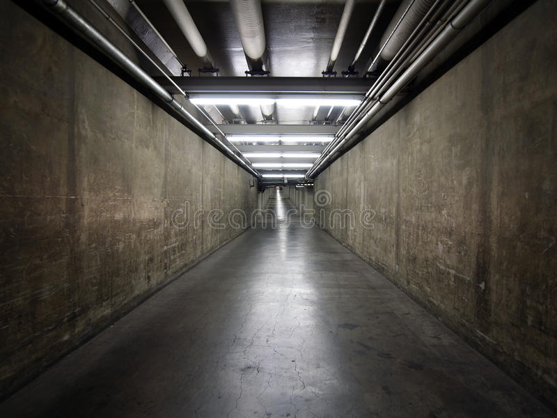 Túnel do porão do governo imagem de stock
