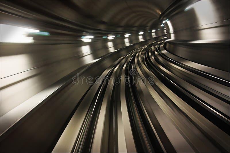 Túnel interno do metro de Dubai imagens de stock royalty free