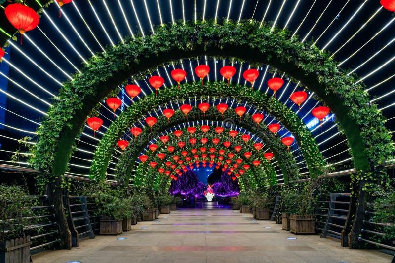 Túnel ligero en festival de primavera fotos de archivo