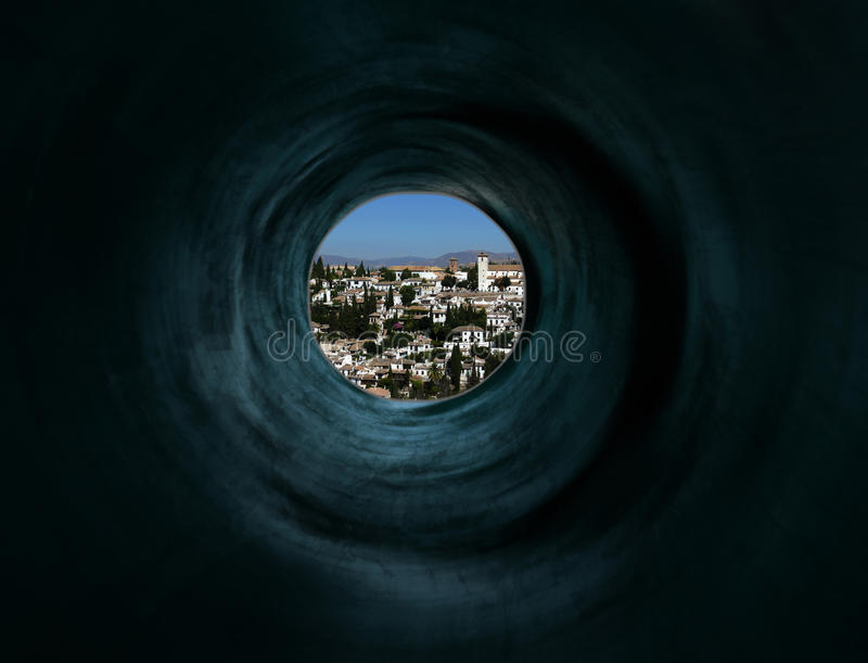 Túnel misterioso à cidade exótica do paraíso imagem de stock royalty free
