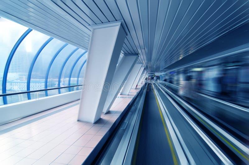 Túnel no azul fotografia de stock royalty free