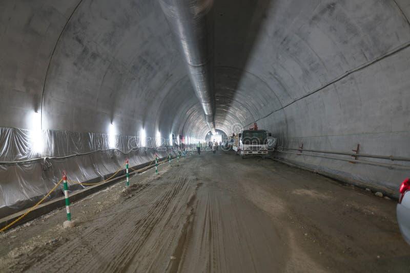 Túnel novo de Tanigayama da via expressa de Tomei sob a construção imagens de stock royalty free