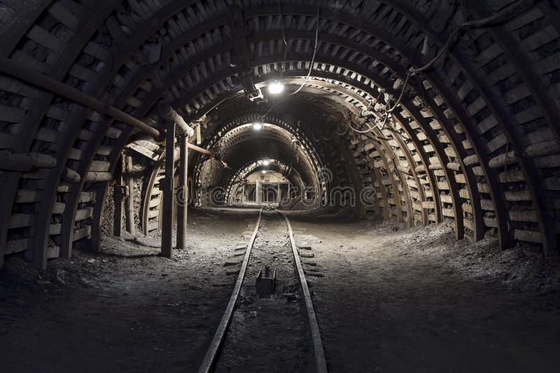 Túnel subterráneo en la mina de carbón foto de archivo libre de regalías