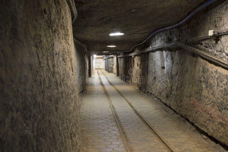Túnel subterráneo en la mina de sal imagenes de archivo