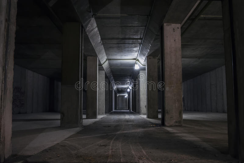 Túnel subterráneo en la montaña fotos de archivo libres de regalías