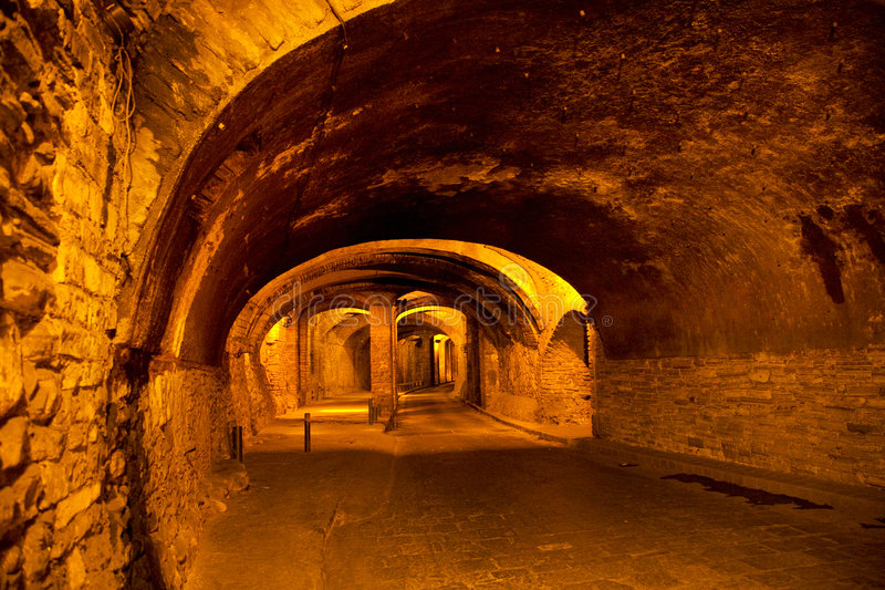 Túnel subterrâneo para o tráfego, Guanajuato, México imagens de stock