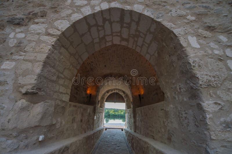 Túnel velho das construções fotos de stock royalty free