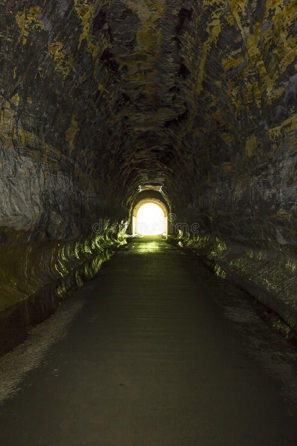 Túnel velho interno fotos de stock royalty free
