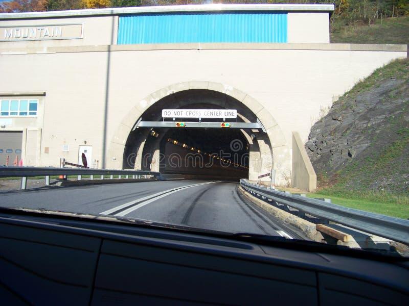 Túneles en la carretera de peaje de Pennsylvania fotos de archivo