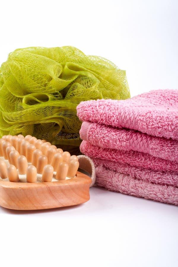 Tücher, Karosserienschwamm und Holzpinsel lizenzfreies stockfoto