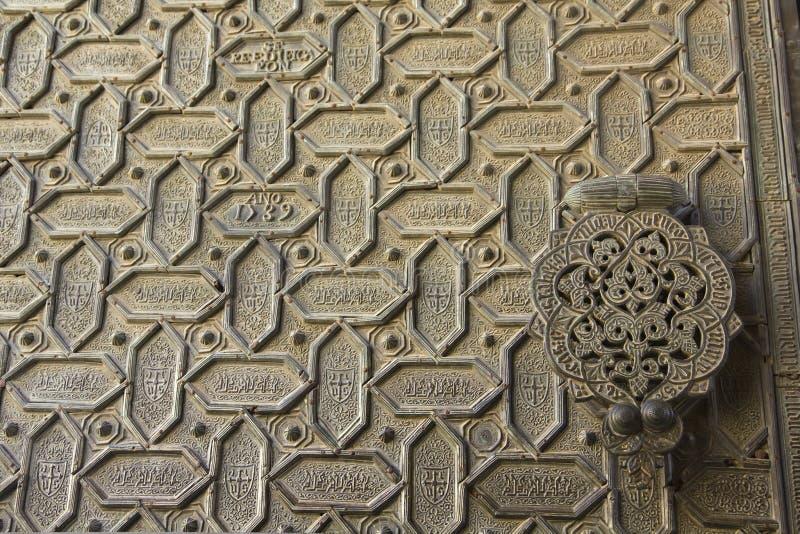 Tür der Kathedralemoschee von Cordoba lizenzfreie stockbilder