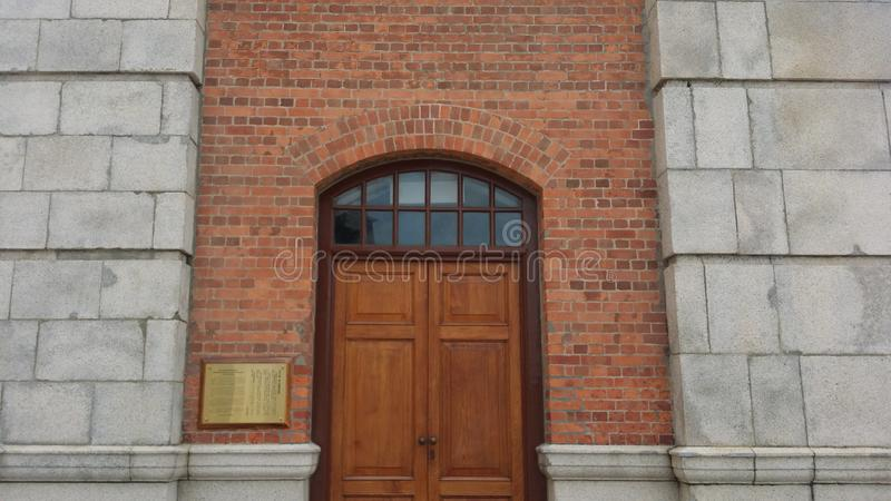 Tür des Glockenturms stockbilder