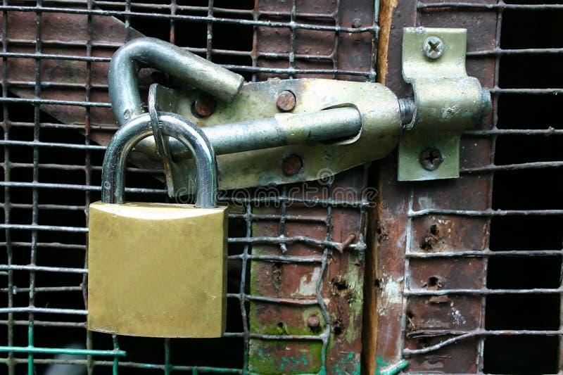 Tür-Verriegelung lizenzfreie stockfotografie