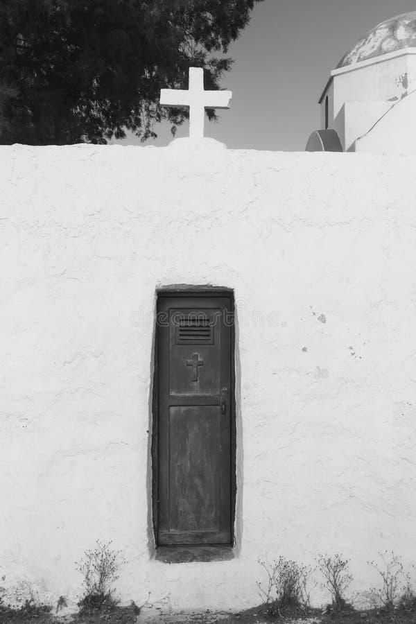 Tür zur Kirche stockbilder