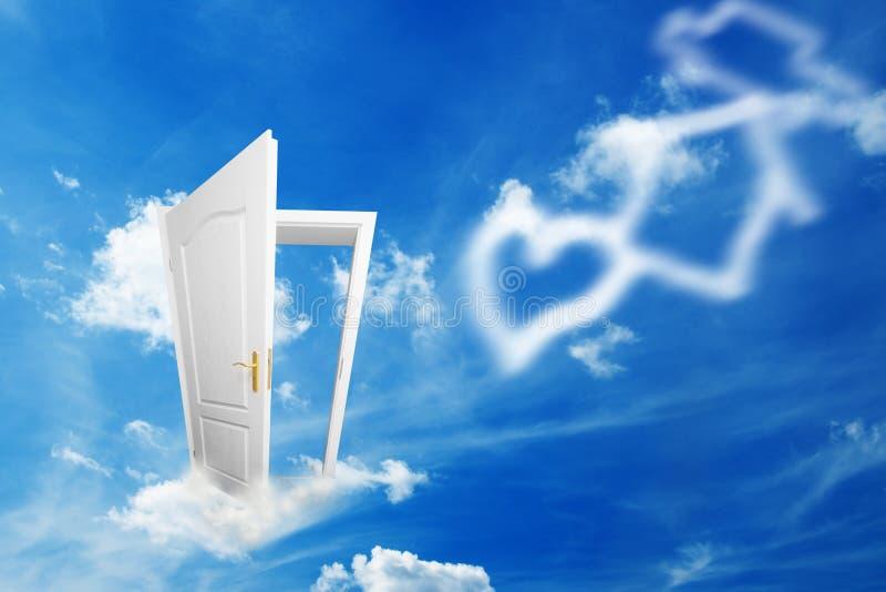 Tür zur neuen Welt von Träumen stockbild