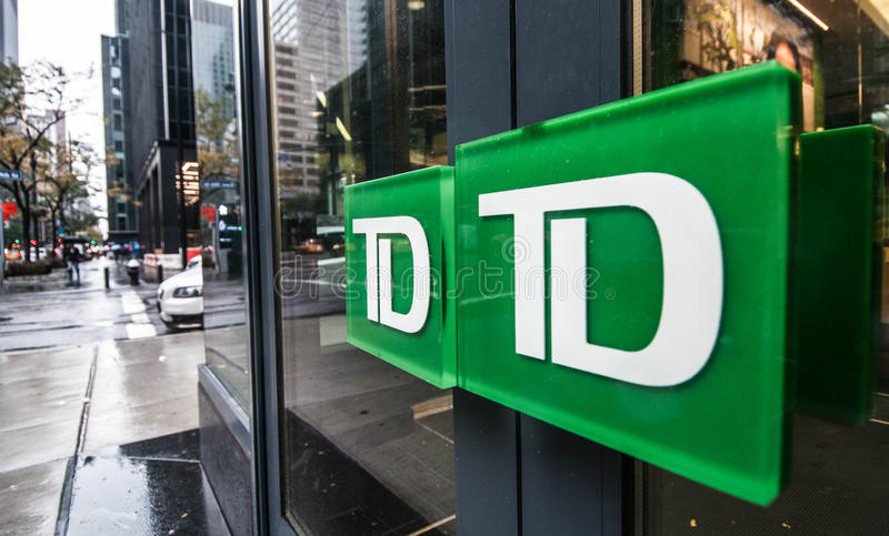 Türen einer TD-Bankfiliale in New York City stockbild