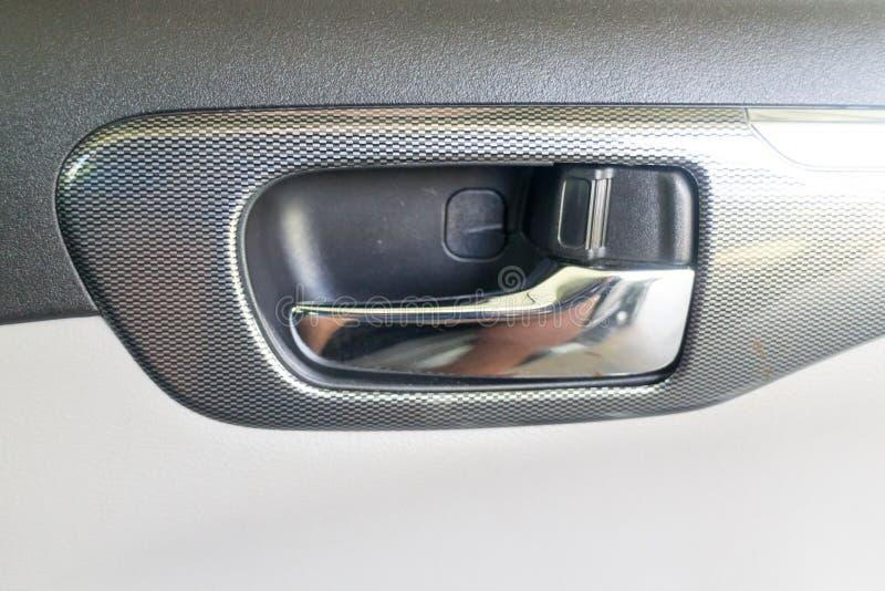 Türgriff innerhalb eines Autos stockbild