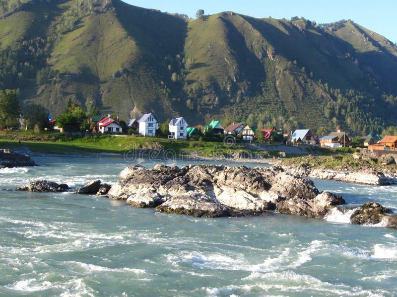 Türkis Katun-Fluss stockfoto