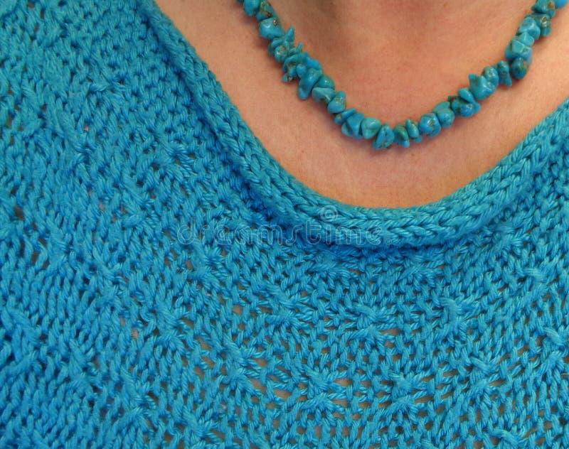 Türkis-Nugget-Halskette, Türkis Knit-Spitze lizenzfreies stockfoto