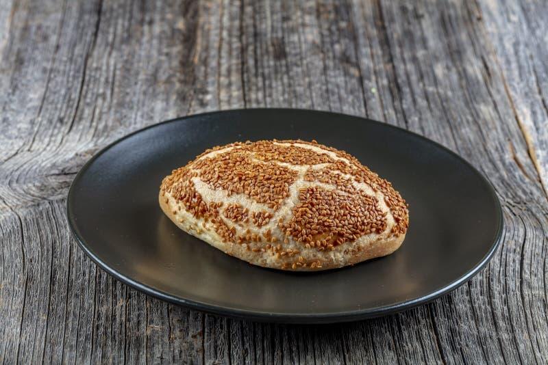 Türkische Backware, geschmackvolles pogaca Türkisches Gebäck; pogaca, borek, acma, ay coregi am Konditoreischaukasten stockfotografie