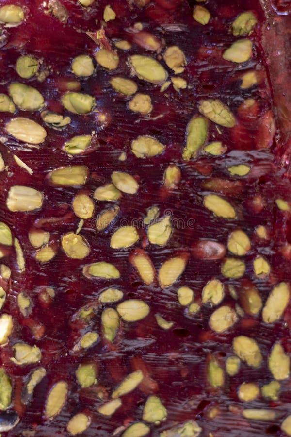 Türkische Freude ( Cezerye) süße verschiedene Farben Es war eingelassene Front des Speichers lizenzfreies stockbild