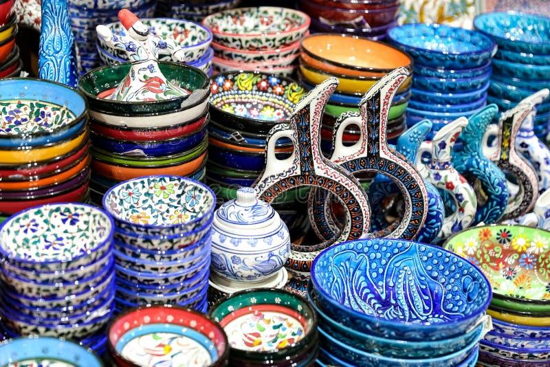 Türkische Keramik im großartigen Basar, Istanbul, die Türkei stockfotos