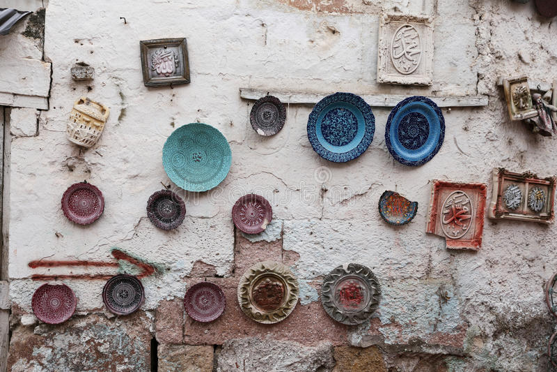 Türkische Keramik im Souvenirladen stockfoto