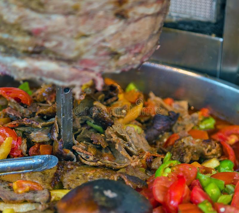 Türkische Lebensmittel Doner-Kebabküche - arabisches shawarma lizenzfreie stockbilder