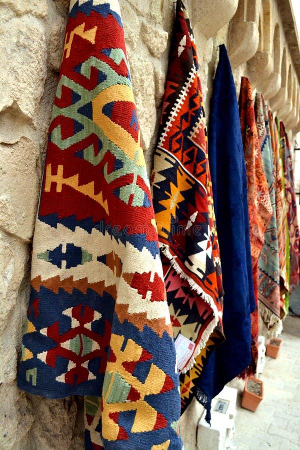Türkische traditionelle Teppiche stockfotos