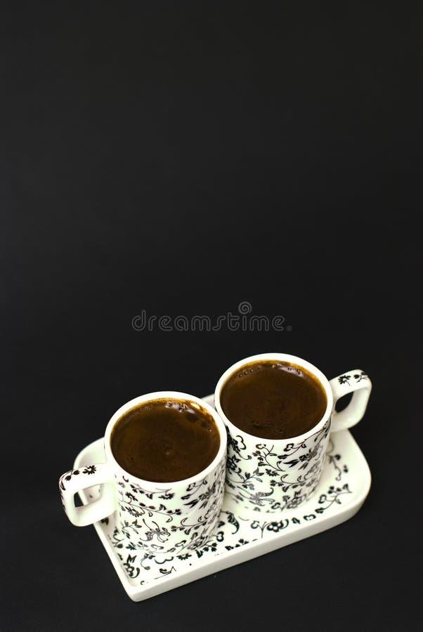 Download Türkischer Kaffee In Zwei Cup Auf Schwarzem Stockfoto - Bild von brasilien, hintergrund: 26353580