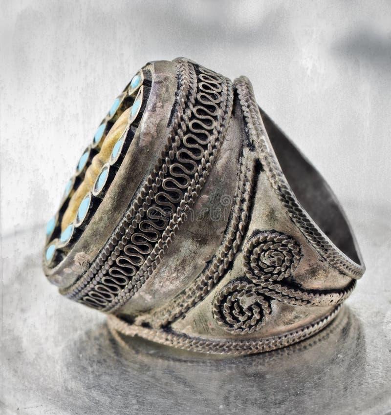 Türkischer Stammes- Ring lizenzfreies stockbild