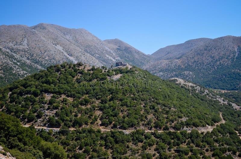 Türkisches Schloss auf die Oberseite des Berges lizenzfreies stockbild